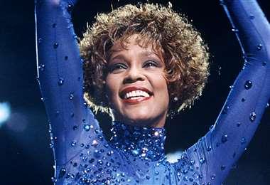 Whitney Houston murió ahogada en una bañera el 11 de febrero de 2011