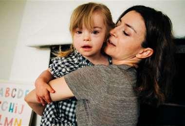 Caterina Scorsone y su pequeña Pippa, de tres años