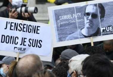 Francia rindió homenaje al profesor de historia Samuel Paty tras ser decapitado