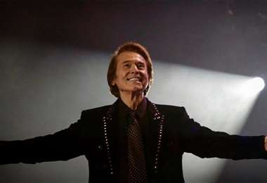 El cantante español Raphael celebra con un concierto sus 60 años como artista