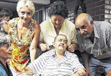 Mosito dejó casa, familia y amigos a la edad de 54 años