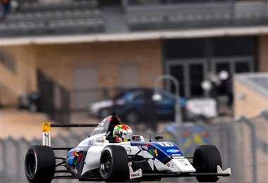 Rodrigo Gutiérrez corrió en un coche Linger con motor Honda 1.600 cc.