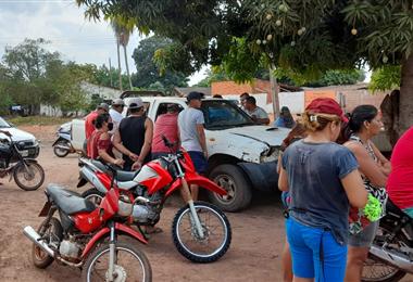 En esta camioneta fue asesinado Federico Velarde. Foto. Juan Pablo Cahuana