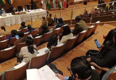 Los diputados sesionaron en el nuevo Hemiciclo (Foto: APG Noticias)