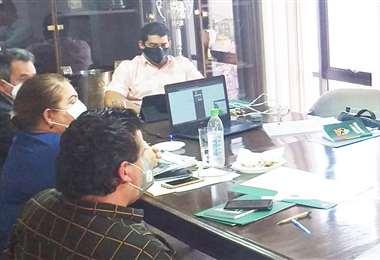 Una pasada reunión del comité ejecutivo. Foto: FBF