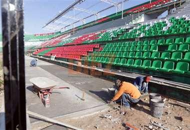 Los trabajos continúan en el estadio Tahuichi. Foto: Fuad Landívar