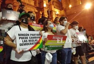 Activistas siguen sumándose a las protestas. Foto: Carlos Torrejón