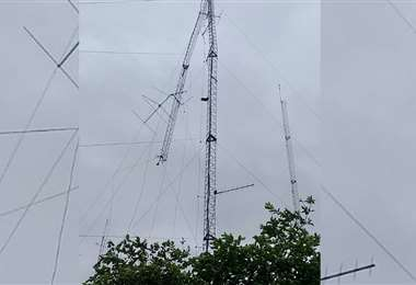 Antena destruida en Camiri