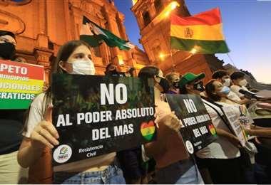 Hay protestas en el interior del país por la determinación. Foto: Juan Carlos Torrejón