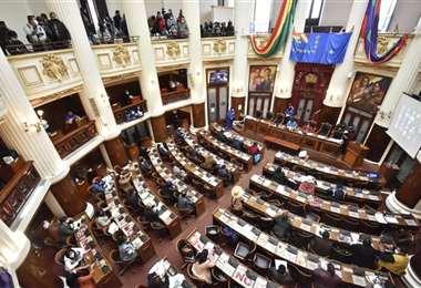 La Asamblea está en su última sesión.