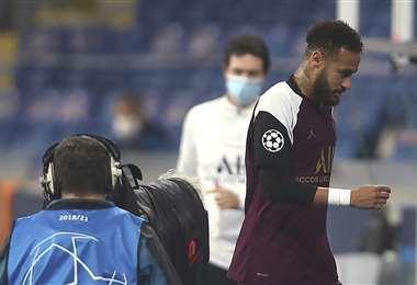 Neymar fue sustituido en el partido de este miércoles. Foto: AFP