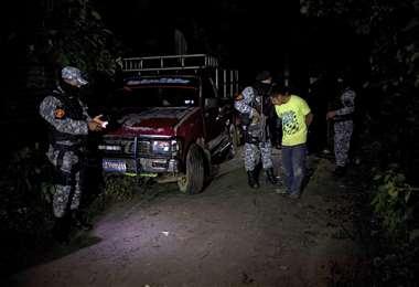El operativo en la madrugada. Foto AFP