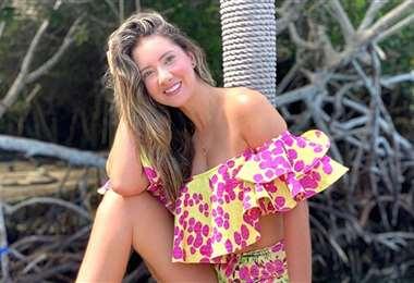 Daniella Álvarez fue a la playa, se metió al mar y pasó agradables momentos