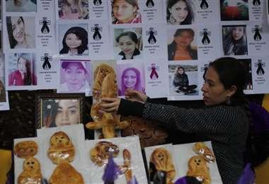 """""""Mujeres de fuego"""" homenajean a víctimas de feminicidio. Fotos: APG"""
