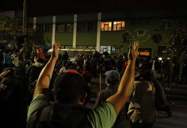 En la UTOP de Cochabamba, hubo gasificación policial. Foto: David Flores/APG