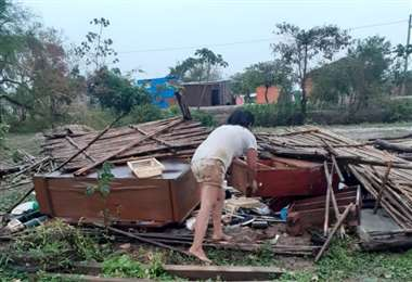 Los vientos destruyeron casas en barrios alejados