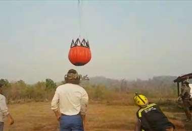 El bambi bucket es la bolsa donde se transporta agua
