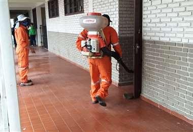 Alcaldía desinfecta recintos electorales con miras a las elecciones