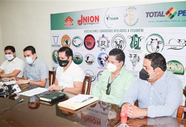 Los ganaderos destacan el acuerdo firmado /Foto: Fegabeni