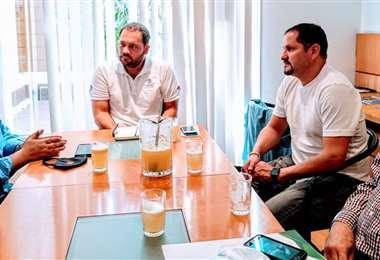 Augusto Chávez (c) se reunió la semana pasada con Blanco y Rodríguez. Foto: V de Deportes