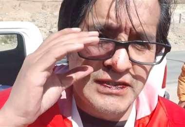 Sangrando, a raíz de los golpes, Toro denunció públicamente el hecho
