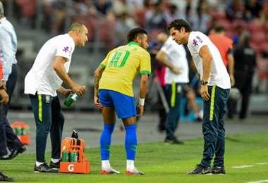 Neymar se lesionó en la práctica que Brasil tuvo el miércoles. Foto: Diario Lance
