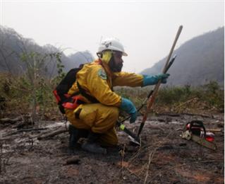 Bomberos voluntarios afrontan una desigual lucha: Fotos: UUBR