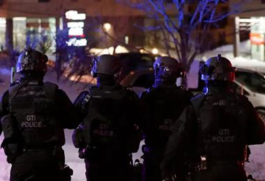 La policía acordonó el lugar de los hechos. Foto Internet