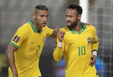 Richarlison y Neymar, dos integrantes de la selección brasileña. Foto: internet