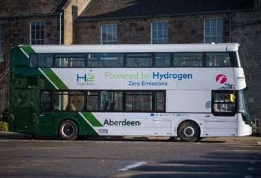 Uno de los autobuses a hidrógeno. Foto Internet