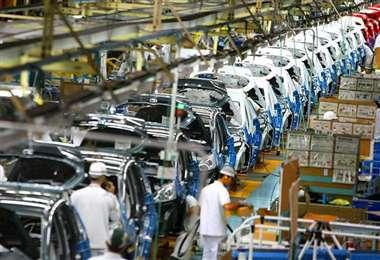 Las armadoras mexicanas produjeron 347.829 vehículos en el décimo mes del año