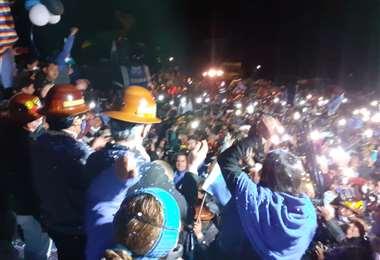 Una muchedumbre espero a Morales en Atocha.