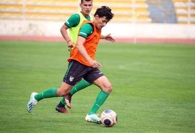 Ábrego durante una práctica se la selección. Foto: Prensa FBF