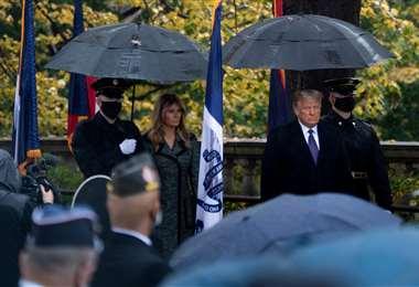 Trump y su esposa Melania en el homenaje a los veteranos. Foto AFP