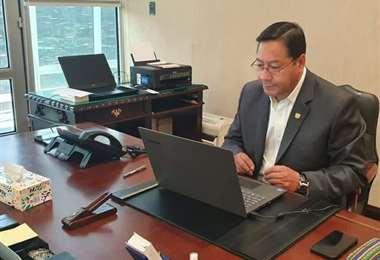 El Presidente Arce, en su clase virtual de este miércoles.