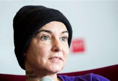 La cantante irlandesa, de 53 años, estará alejada de los escenarios por un año