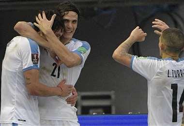 Núñez celebra el tercer gol con sus compañeros. Foto: AFP