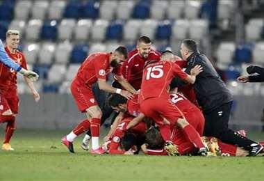 La celebración de los macedonios. Foto AFP