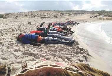 Algunos muertos en un naufragio en Libia. Foto Internet
