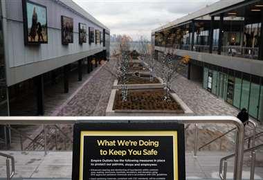 Un centro comercial cerrado en Nueva York. Foto AFP