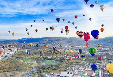 Los globos se elevan en los alrededores de la Ciudad de México. Foto AFP