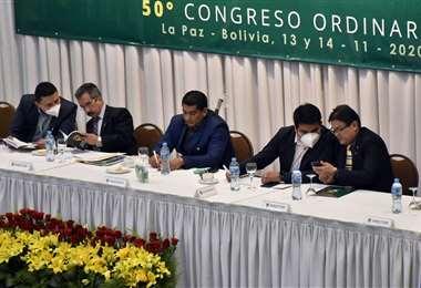 Aramayo, Rodríguez y Decormis (centro) tienen dos procesos en su contra. Foto: APG