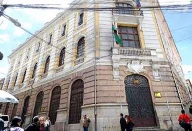 La Cancillería se pronunció por la crisis política en Perú.