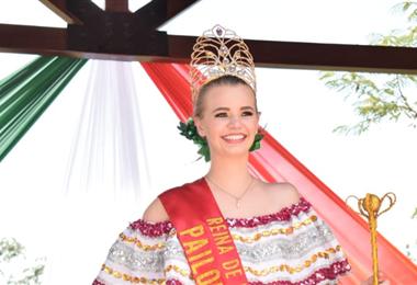 Mylena Beatriz Ewert, reina de la Tradición de Pailón. Foto. Hubert Vaca