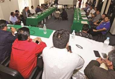 Una reunión pasada de consejo superior de la División Profesional. Foto: internet