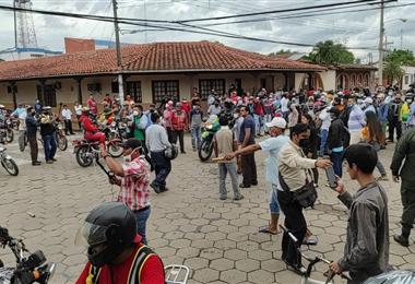 Padres de familia presionaron para destituir a Hurtado. Foto. Juan Carlos Fernández
