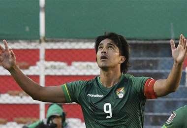 La celebración del goleador cruceño tras su gol ante Paraguay. Foto: AFP
