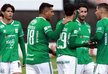 Los jugadores durante un amistoso en La Paz, frente a Bolívar. Foto: Club Bolívar