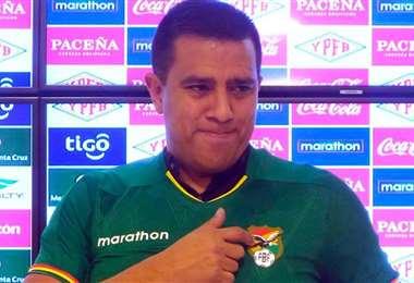César Farías es el DT de la selección boliviana. Foto: FBF