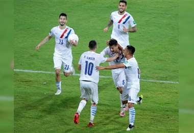 Paraguay empató ante Perú y luego venció a Venezuela de visitante. Foto: @Albirroja
